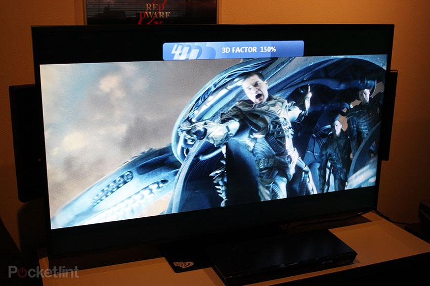stream ultra d 4k fernseher mit 3d darstellung ohne brille pr sentiert. Black Bedroom Furniture Sets. Home Design Ideas